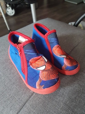 chausson bleu Spiderman