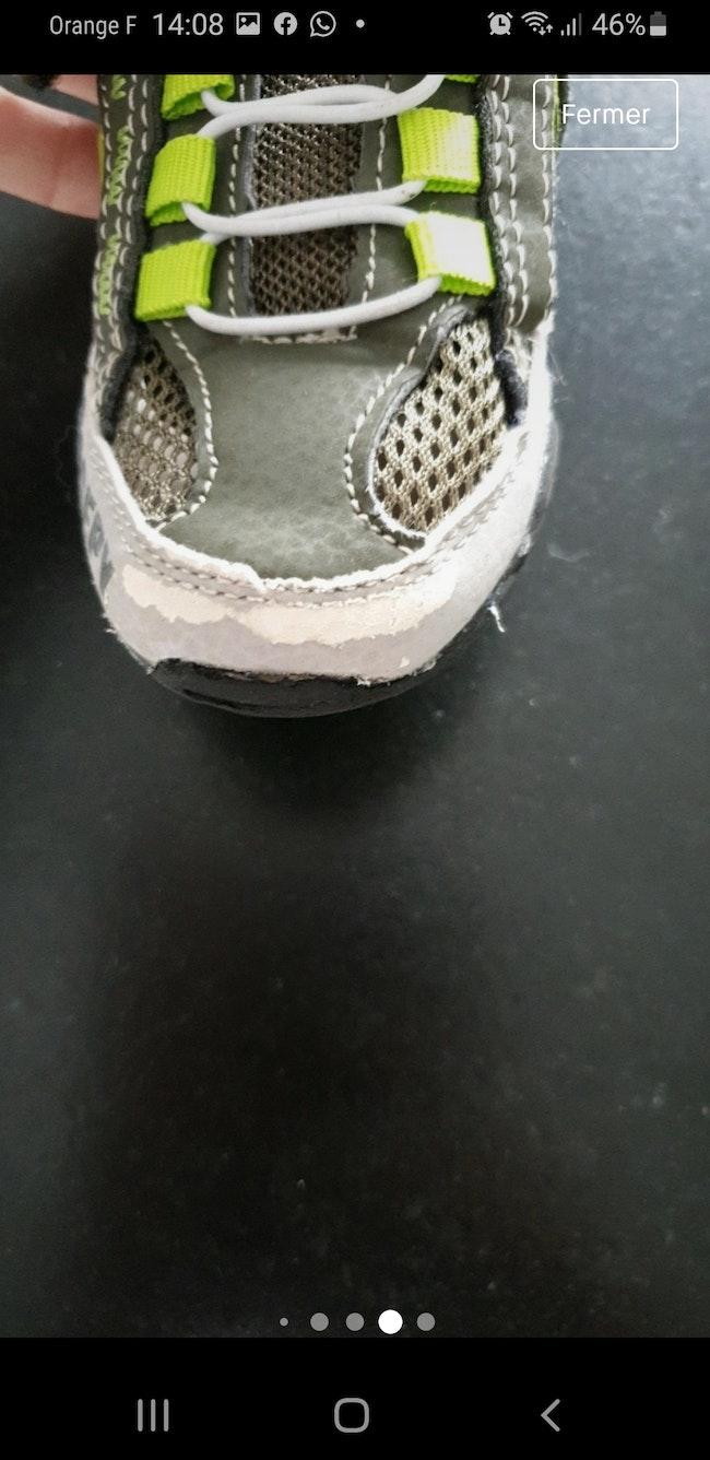 Paires de chaussures  de randonnée