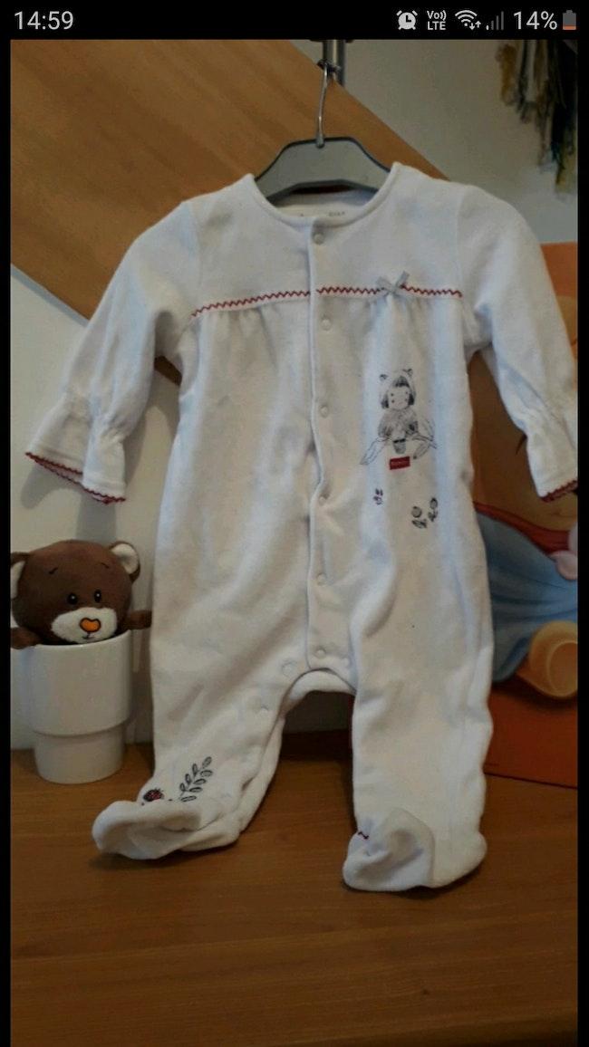 Dispo a partir du 25 avril Pyjama sucre d orge taille 9 mois