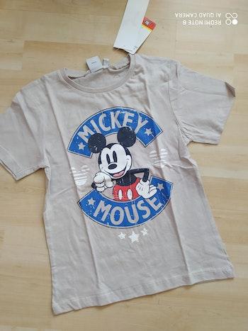 Tee shirt neuf Disney Mickey 8 ans