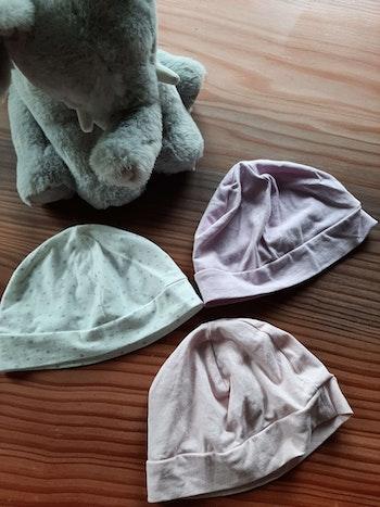 3 bonnets en coton