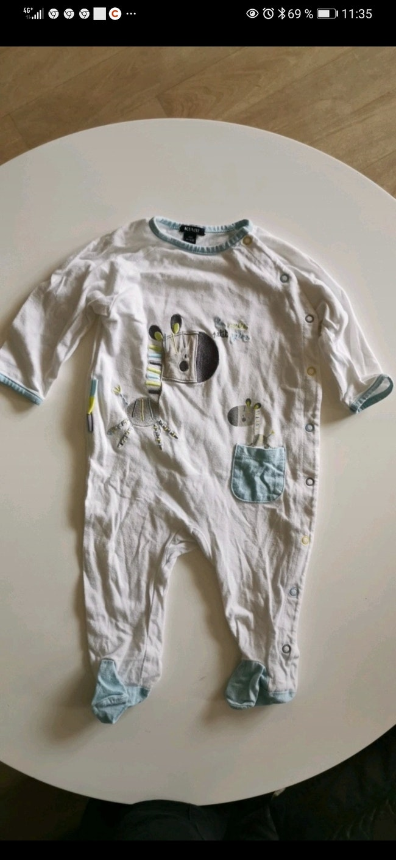 Pyjama kiabi taille 9 mois