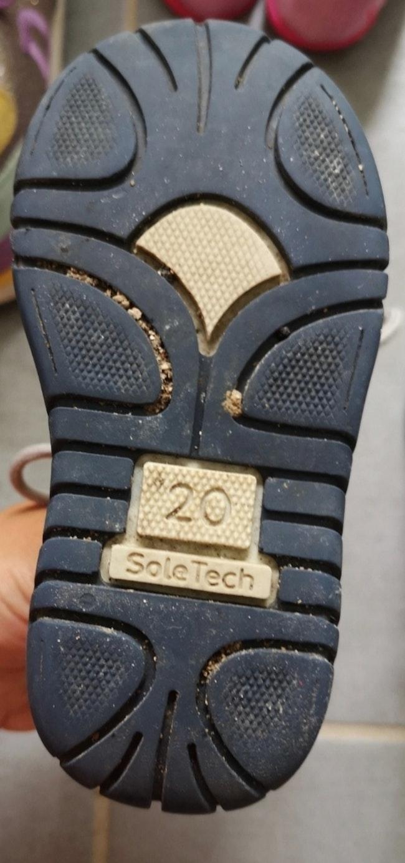 Chaussure bébé 20 semelle épaisse caoutchoucs Soletech Petit prix envoi rapide possibilité lot