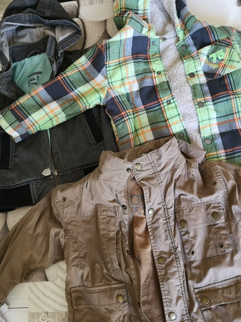 Lot de manteaux garcons