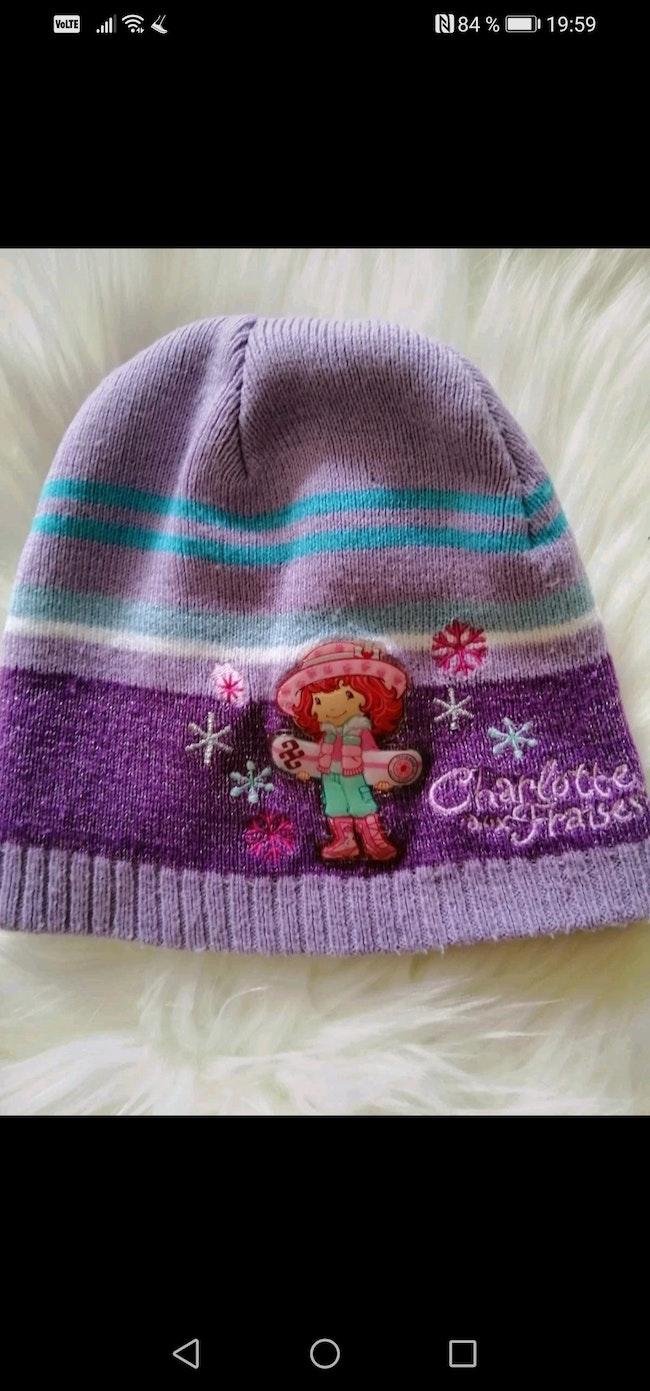 Bonnet bébé fille Charlotte fraise.