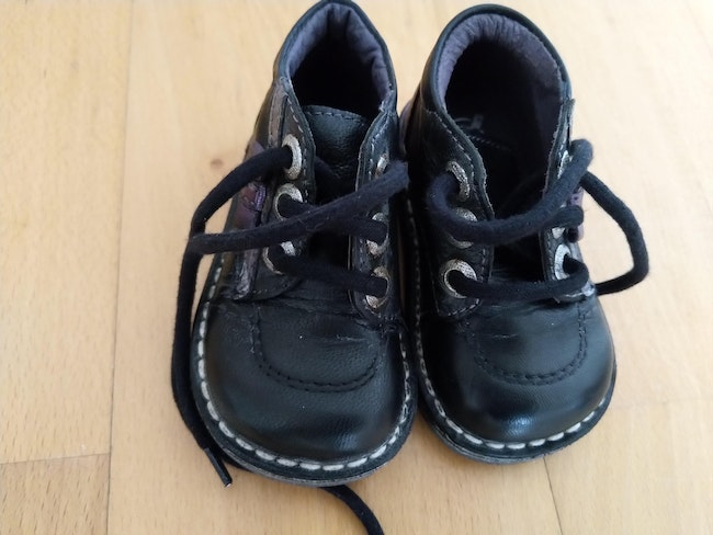 Chaussures taille 20 type Kickers