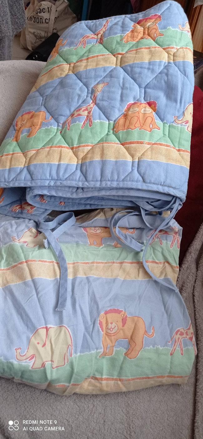 Drap housse et tour de lit