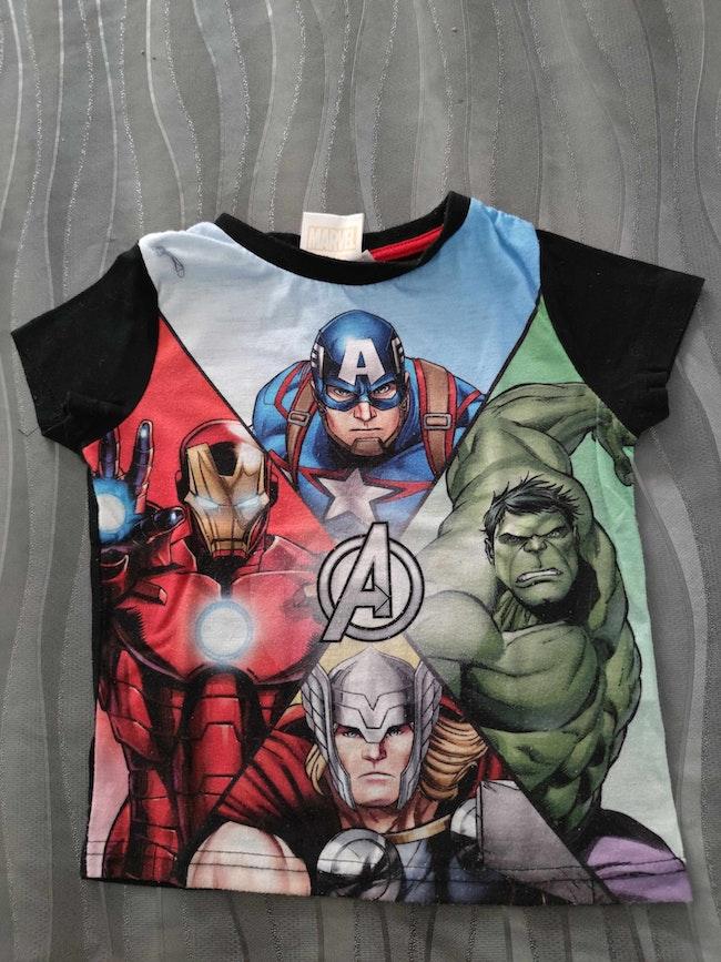 Tee shirt Avengers 3 ans