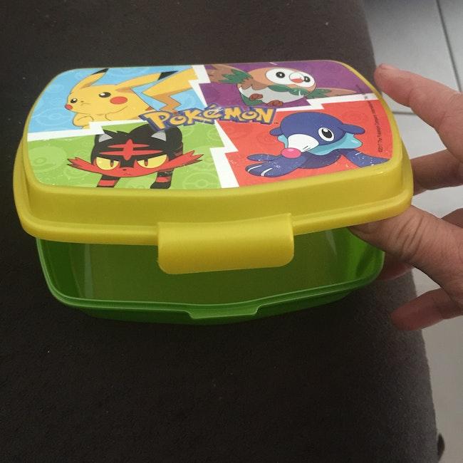 Boîtes Pokémon  pour goûter où pour  les cartes
