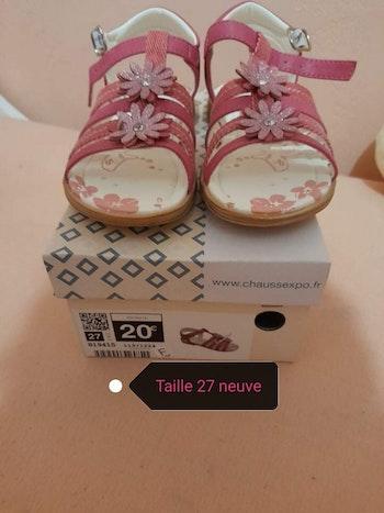 Sandale fille taille 27 neuve