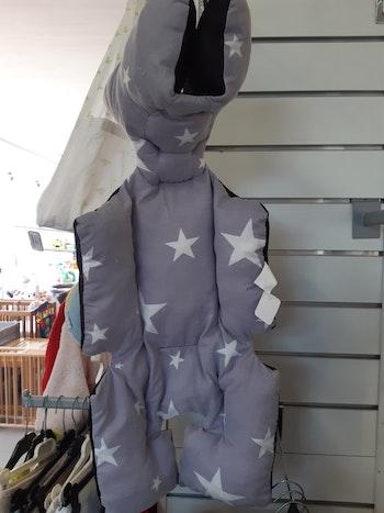 Protection poussette gris motif étoilé