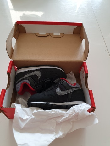 Basket Nike MD RUNNER (TDV) taille 3C/18.5
