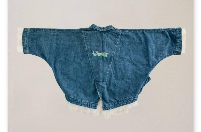 Veste en jean cropped & manches chauve-souris / 4 ans