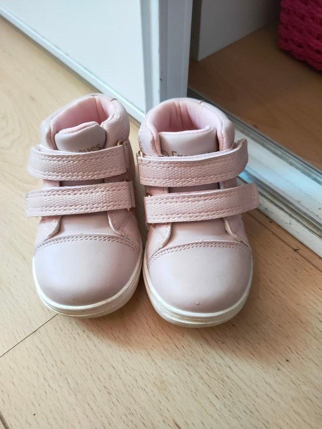Basket rose fille 19