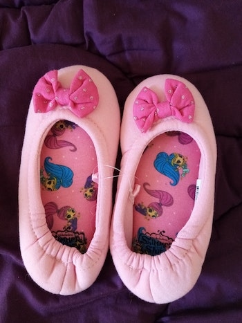 Chaussons filles neuf