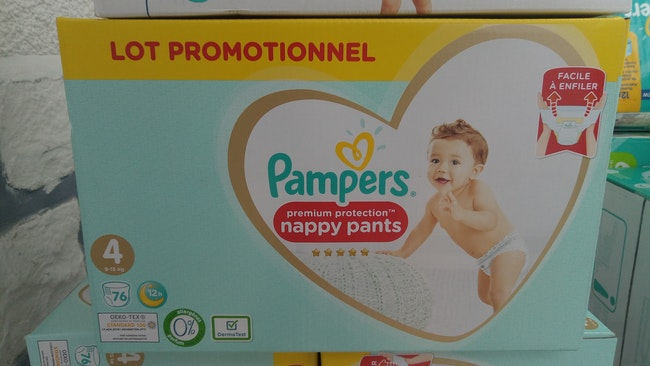 76 Nappy Pants Pampers Premium Protection taille 4