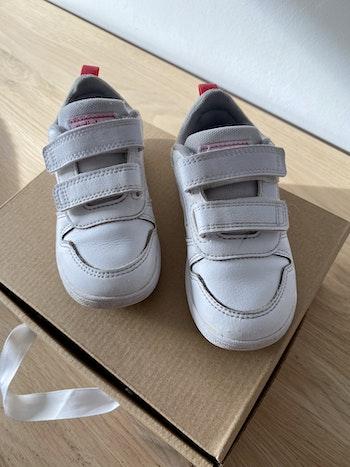 Jolie 🥰 basket adidas blanche /rose P24