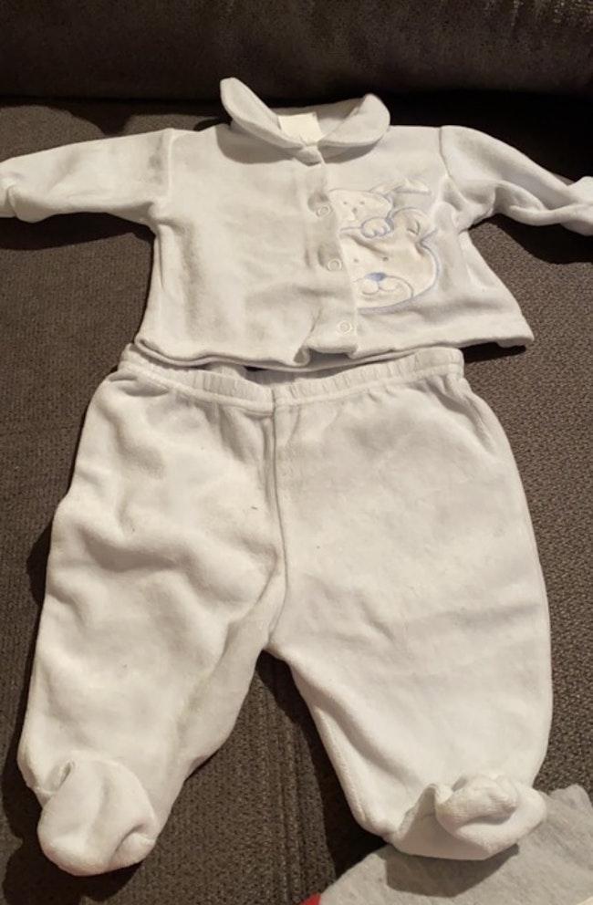 6 pyjamas 1 mois