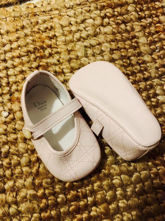 Chaussons neufs  bébé Dior