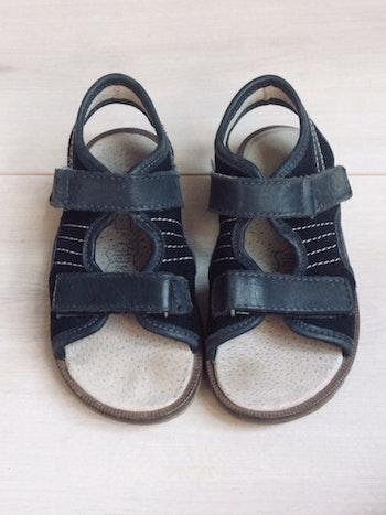 Sandales cuir garçon pointure 26.