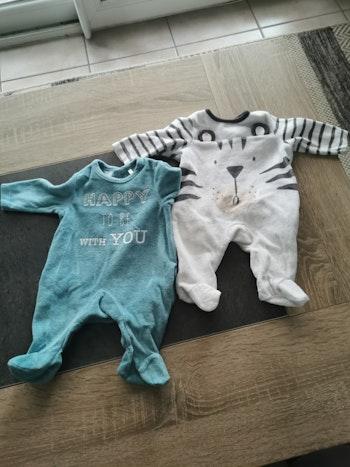 2 pyjamas naissance