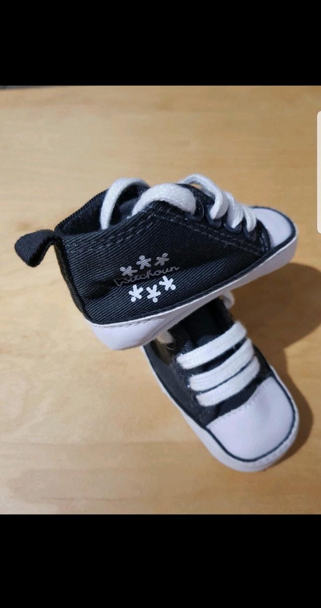 Baskets montantes bébé en toile pointure 16