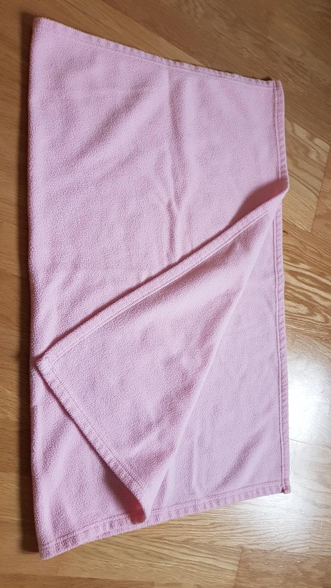 Couverture rose pâle