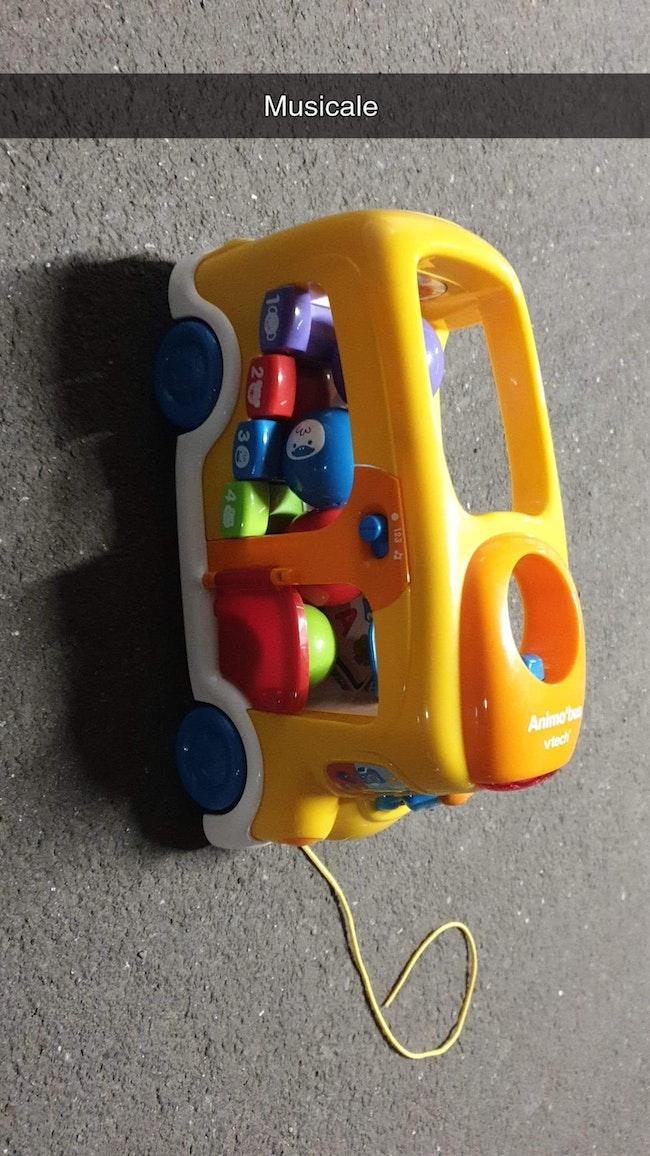 Camion lanceur de boule