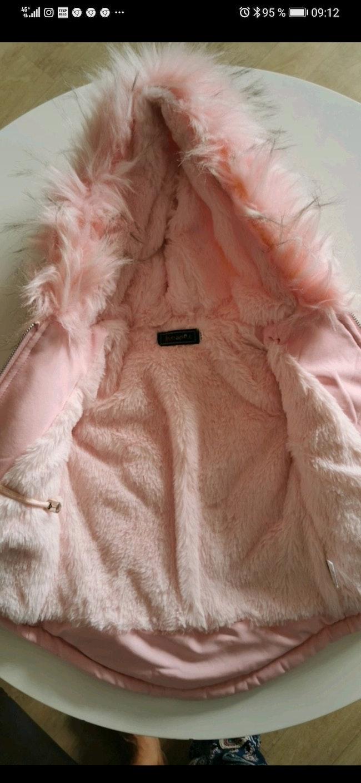 Manteau contrefaçon The North Face taille 6 Mois.