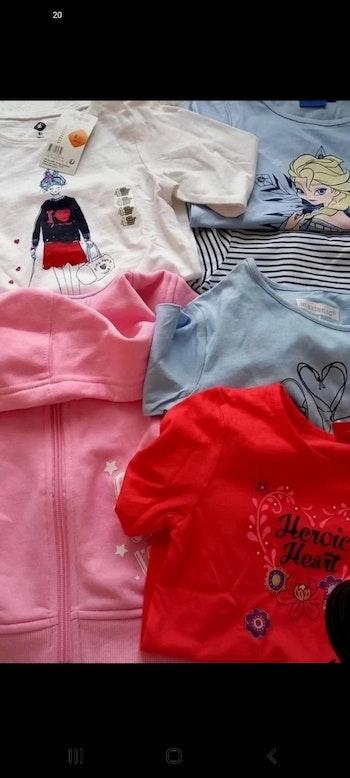 Lots tee shirts 4 ans + sweat rose