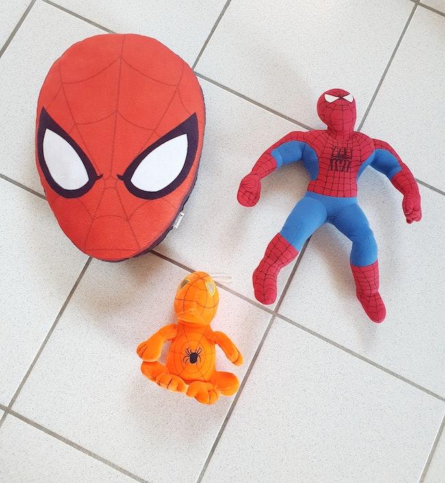 Peluches spiderman