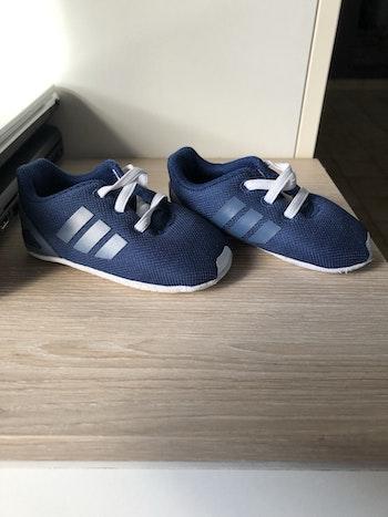 Chaussure adidas bébé