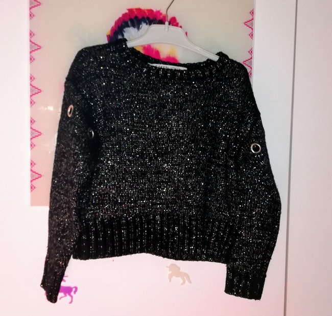 Pull à col rond taille 5/6 ans 🙂