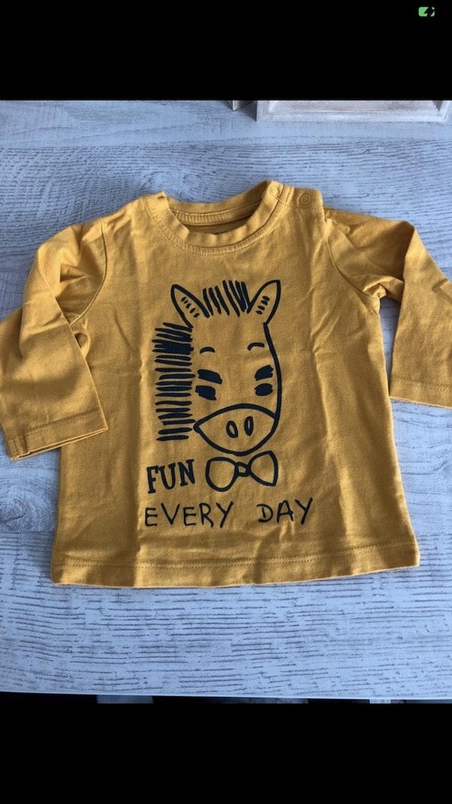 T-shirt vertbaudet jaune 3 mois neuf