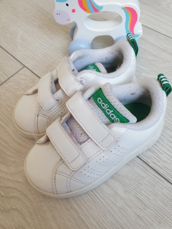 Baskets taille 21