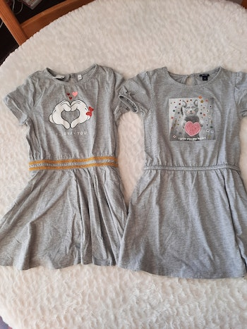 Lot 2 robes 5 ans