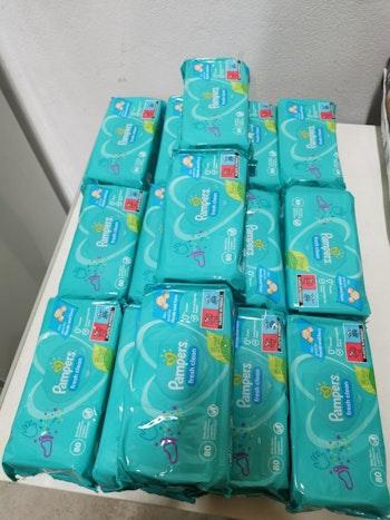 Lot de 15 paquets de 80 lingettes Pampers fresh clean
