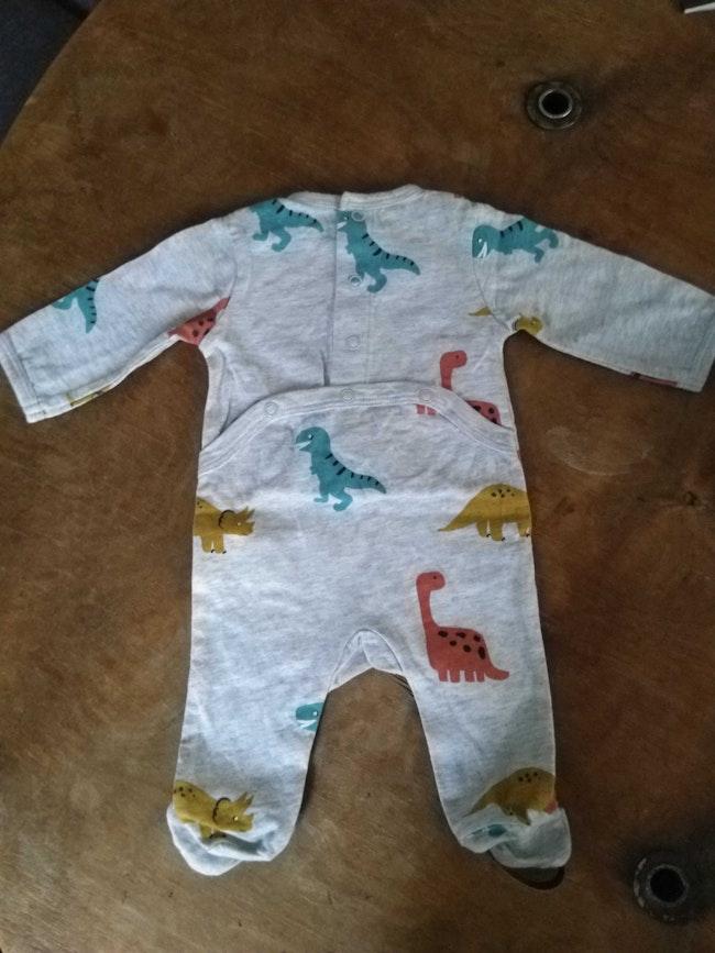 Pyjamas dinosaures 1 mois