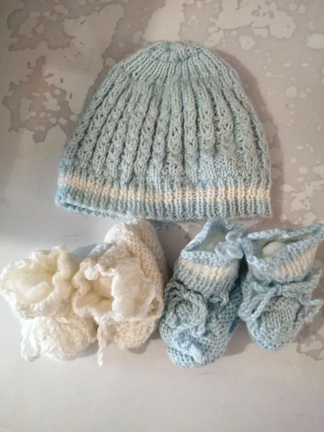 Bonnet + chaussons en laine