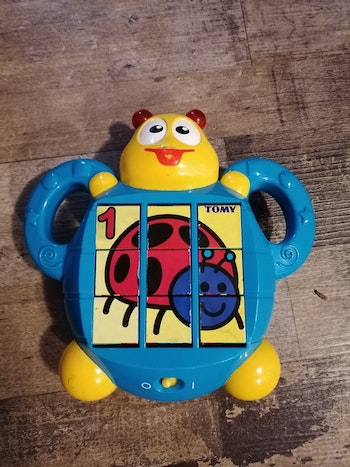 Puzzle interactif Tomy 3 puzzles tbe