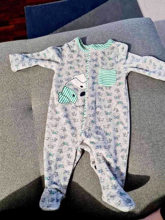 Lot de 6 pyjamas velour neuf sans etiquette