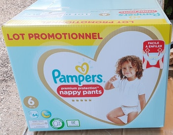 64 couches pants pampers neuves