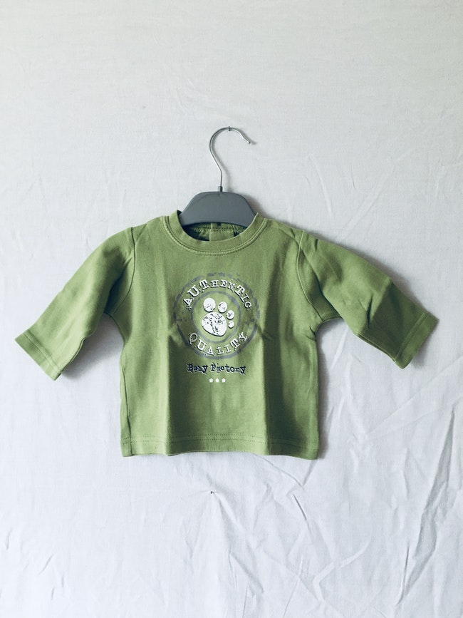Ensemble t-shirt et pantalon