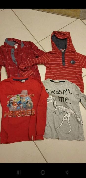 Lot de 4 vêtements taille 6 ans
