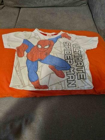 Très beau tee-shirt Spiderman pour enfants (3 photos)