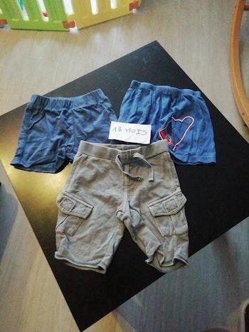 Lot 4 de 3 shorts taille 18 mois