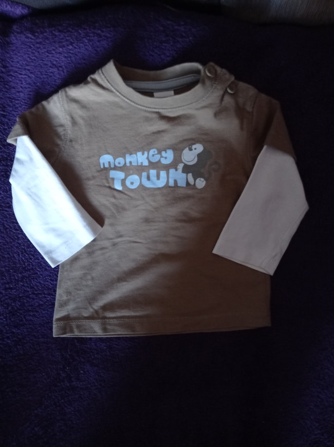 Tee shirt longues manches taille 6 mois