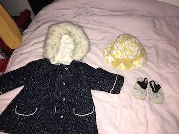 Lot vêtements et jouet