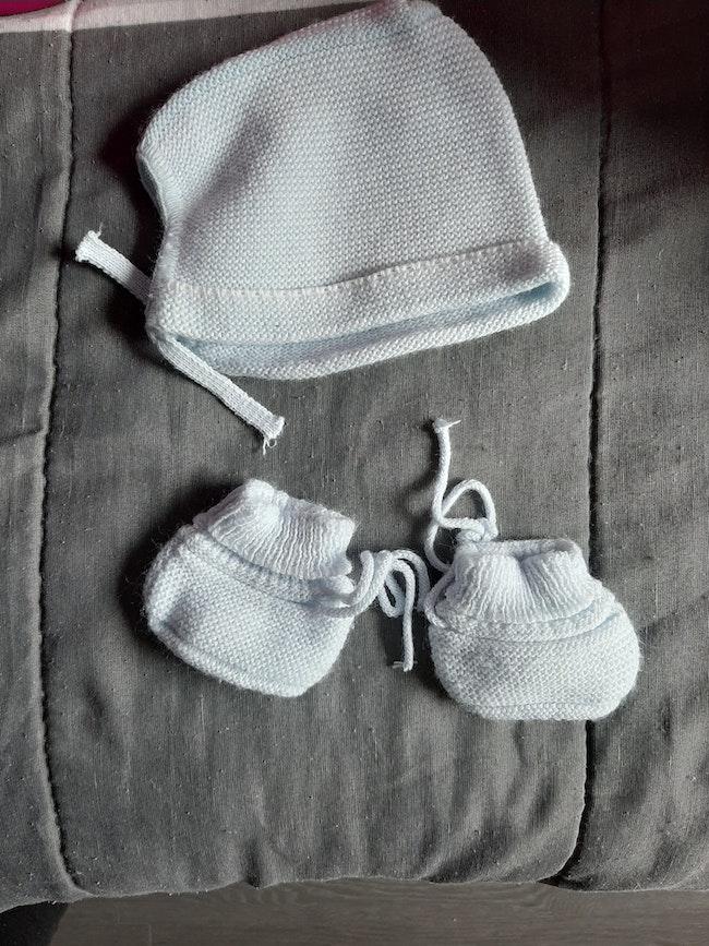 Bonnet et chaussons garçon