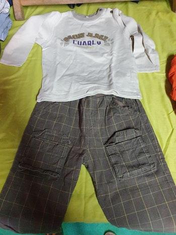 Ensemble pantalon et tee-shirts